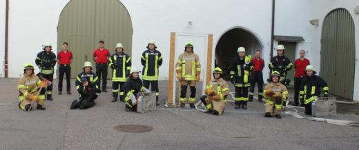 Gruppenfoto des Atemschutzgeräteträger-Lehrgang in Nördlingen im Juni 2021